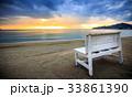 ビーチ 夕暮れ ベンチの写真 33861390