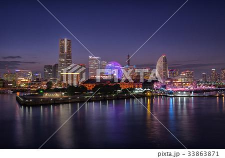 【横浜夜景】みなとみらい 大さん橋 くじらの背中 33863871