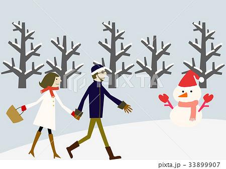 冬のイメージ カップル 散歩 33899907