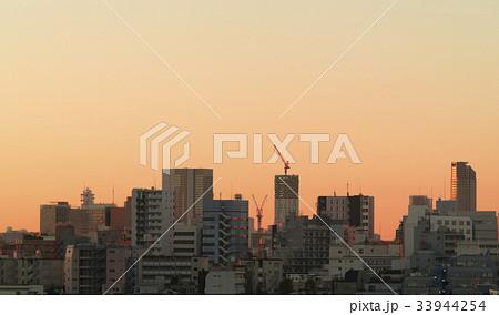 東京風景 朝焼け 日の出 笹塚から渋谷駅方面望む 33944254