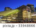 大阪駅 夜 駅ビルの写真 33948666