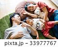若い日本人家族 33977767