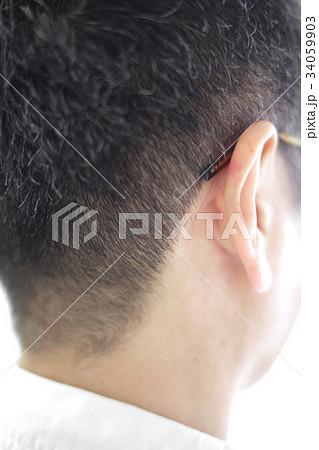 散髪したばかりの男性の襟足 perming 写真素材 34059903