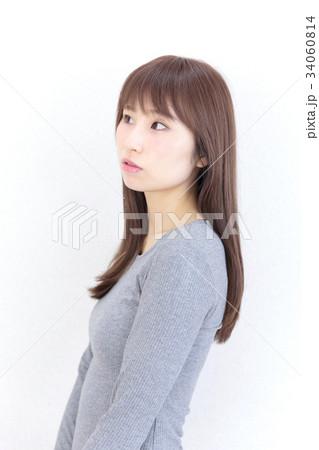 若い女性 ヘアスタイル 34060814