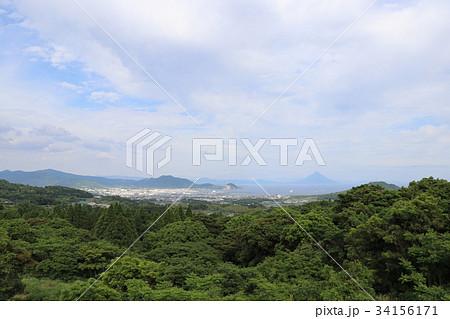 春の鹿児島 耳取峠から望む枕崎市街地と開聞岳 34156171