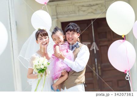 パパママ婚、ファミリーウェディング、ウェディングイメージ、風船、子連れ 34207361