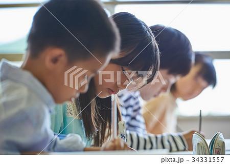 小学校 授業 教室 34331557