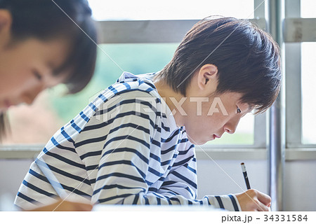 小学校 授業 教室 34331584