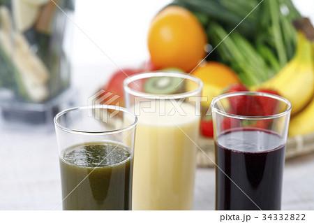 スムージー アサイージュース グリーンスムージー 野菜ジュースの写真素材 [34332822] - PIXTA