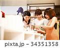 ショッピング 買い物 女性 雑貨 セレクトショップ 撮影協力:TENOHA DAIKANYAM 34351358