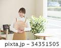 カフェ カフェ店員 喫茶店の写真 34351505