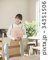 カフェ カフェ店員 喫茶店の写真 34351506