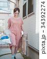 housewife 34392274