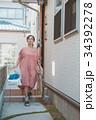 housewife 34392278