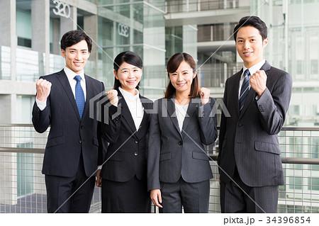 若いビジネスマン 34396854