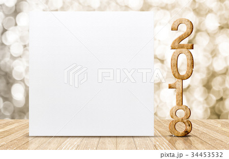 2018 happy New year and white card in roomの写真素材 [34453532] - PIXTA