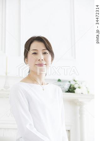 ミドル女性 34472314