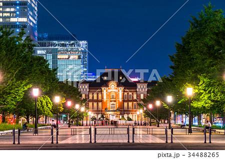 東京駅・丸の内の夜景 34488265