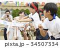 運動会で走る小学生 34507334