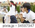運動会で走る小学生 34507347