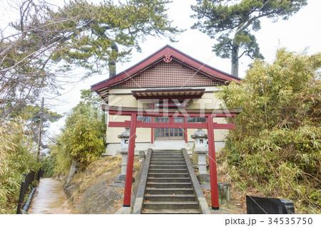 島の高台にある野々島の熊野神社のキリシタン仏 34535750