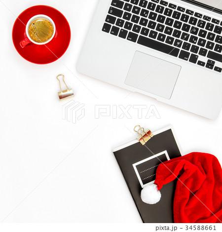 Office workplace laptop coffee Christmas decoの写真素材 [34588661] - PIXTA