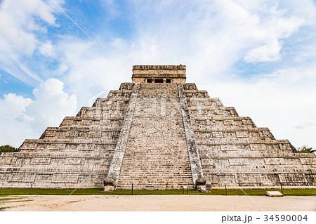 チチェンイッツァのピラミッド 34590004