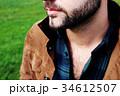 男性のセクシーな髭と胸毛 34612507