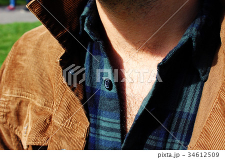 男性のセクシーな胸毛 34612509