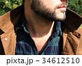 男性のセクシーな髭と胸毛 34612510