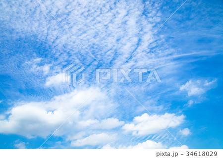 雲 空 青い空 白い雲 秋の空 晩夏の空 背景用素材 クラウド 青空 合成用背景 34618029