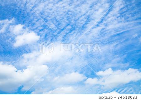 雲 空 青い空 白い雲 秋の空 晩夏の空 背景用素材 クラウド 青空 合成用背景 34618033