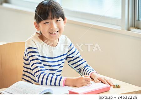 小学生 授業イメージ 34632228