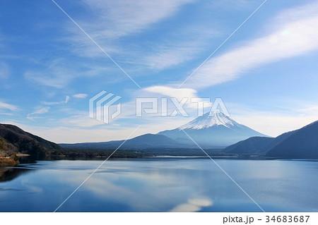 冬晴れの青空と富士山 34683687
