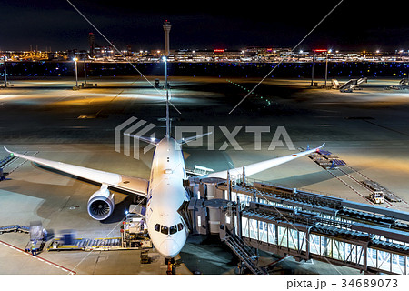 夜の羽田空港 34689073