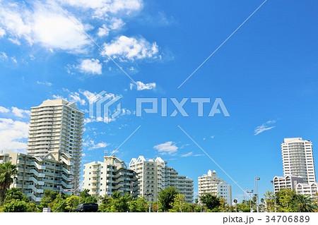 爽やかな青空とマンションの風景 34706889