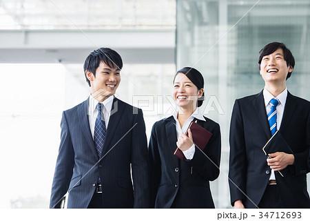 ビジネス 若手 新人 就活イメージ 34712693