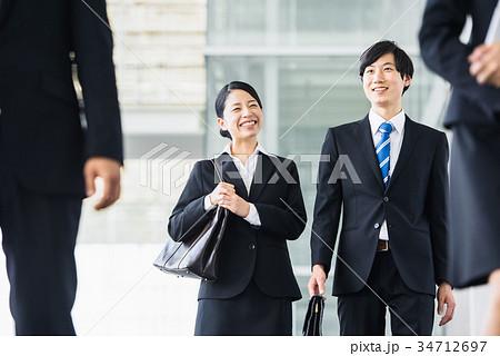 ビジネス 若手 新人 就活イメージ 34712697