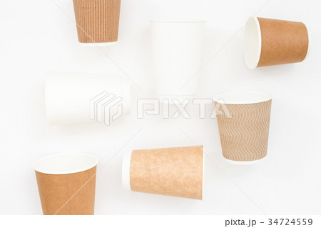 Disposable cups on white background.の写真素材 [34724559] - PIXTA