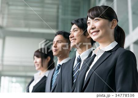 ビジネスチーム 笑顔 34778536
