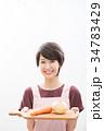若い女性 ショートヘア 主婦 料理  34783429