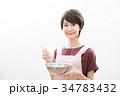 ショートヘア 女性 若いの写真 34783432