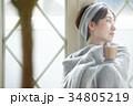 女性 寒い 冷え性の写真 34805219