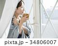 女性 寒い 冷え性の写真 34806007