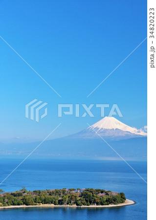 景勝地 大瀬崎からの富士山と駿河湾 34820223