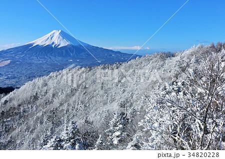 富士山と雪景色 34820228