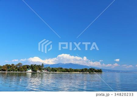 爽やかな青空と海 そして富士山 34820233