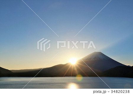 日本の夜明け 富士山と太陽 34820238