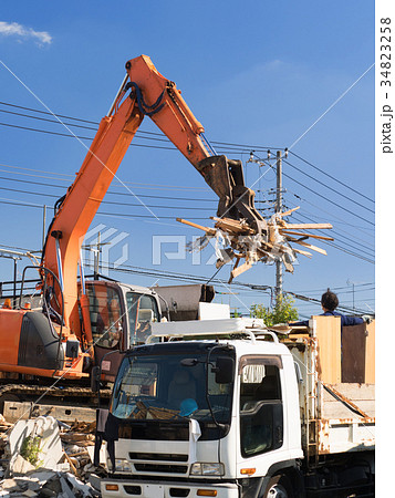 家屋の解体工事現場 34823258