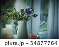 雨の日 窓際の花とキャンドル 34877764